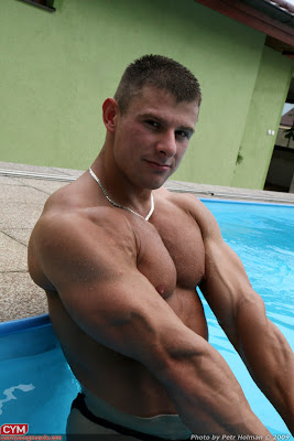 Jiri Borkovec muscle http://workoutinspiration.blogspot.com/2009/07/jiri-borkovec-back-on-czechyoungmuscle.html