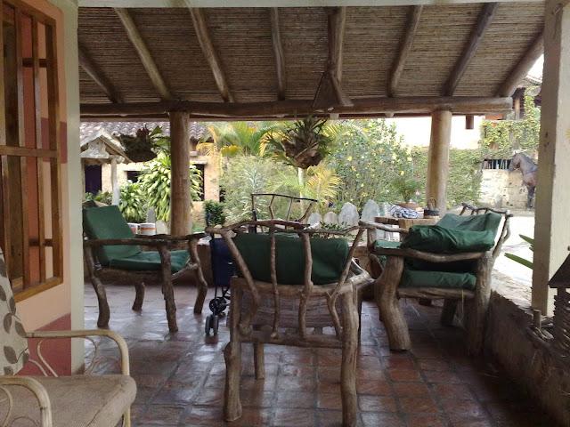 Hermosos muebles artesanales de madera hechos en Boconó