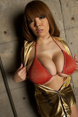 Big Breasted Girl Hitomi Tanaka Sexy Boobs