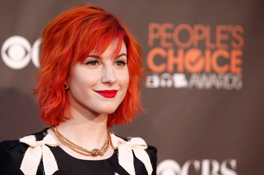 hayley williams hairstyle blonde. hayley williams hairstyles