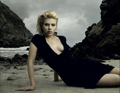 Scarlett Johansson in Beautiful Beach Girl Model Photo Shoot Session by Annie Leibovitz Photography
