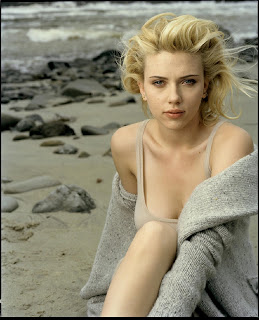Scarlett Johansson in Beautiful Beach Girl Model Photoshoot Session by Annie Leibovitz Photography