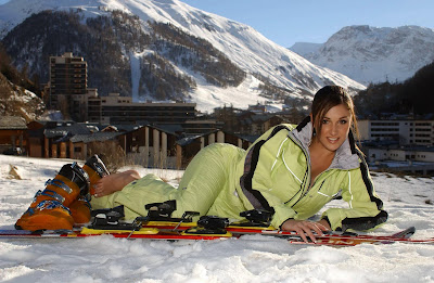 Lucy Pinder in Beautiful Female Skier Model Photo Shoot Session