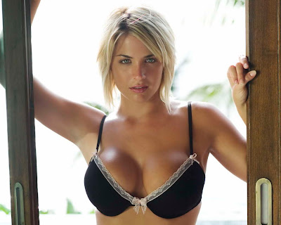 Gemma Atkinson in Wonderful Black Color Sexy Fashion Model Photo Shoot Session
