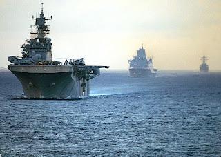 EUA posicionam navios e aviões perto da Líbia