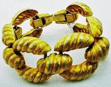 Huge golden shrimp bracelet