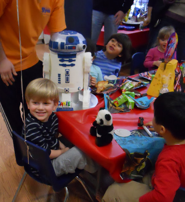 R2D2 star wars birthday boy