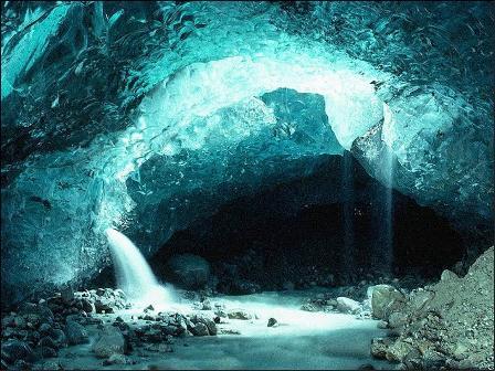 Nakiriam, la cueva de la dragona Saphira - Página 4 Cueva1