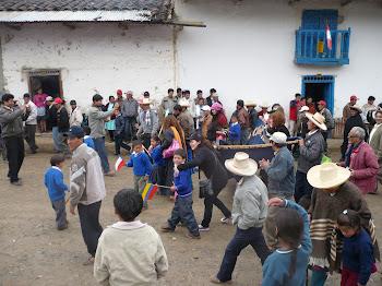 Saludos a los niños de Huangamarca, Perú