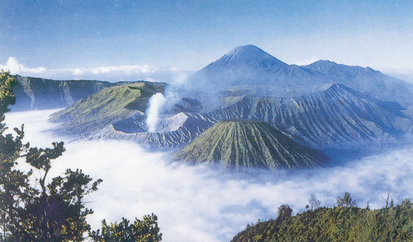 All About Interesting Places To Visit In Indonesia A Great Panorama View At Mount Bromo