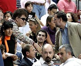 Almodovar lame el culo a Rajoy
