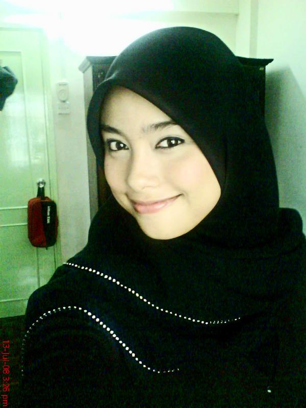 Gadis Melayu Comel bertudung