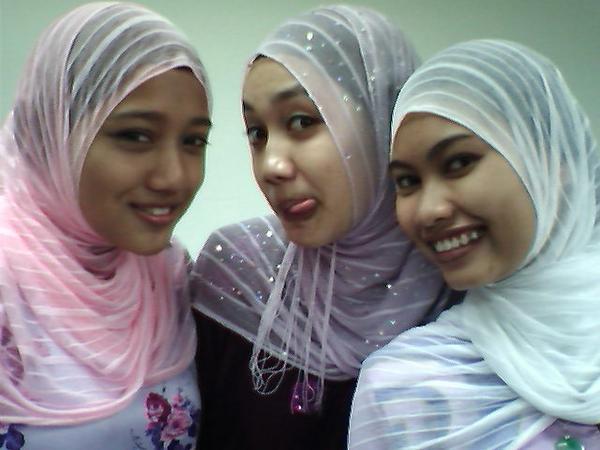 [Gadis-Melayu-Malaysia-8.jpg]