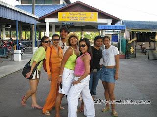 How To Meet Gadis Melayu BerBikini in Johor, Malaysia?