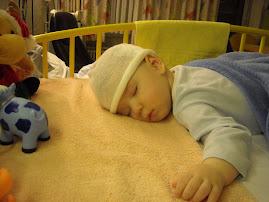 Ce dulce-i somnul pe burtica!