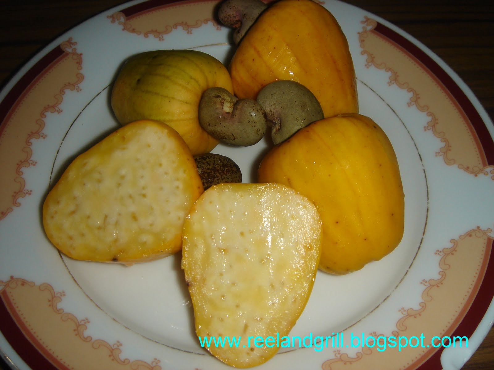 how to eat cashew apple