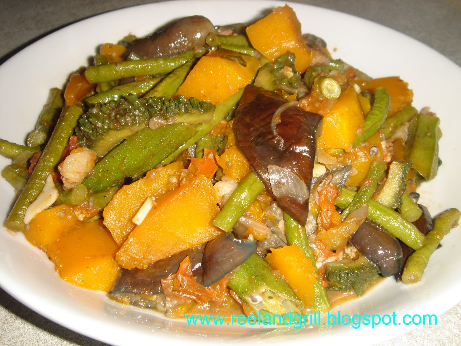 how to cook sayote with giniling