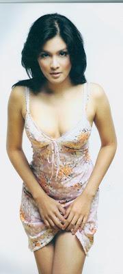 foto artis telanjang, artis bugil, artis seksi, artis indonesia, foto sandra dewi