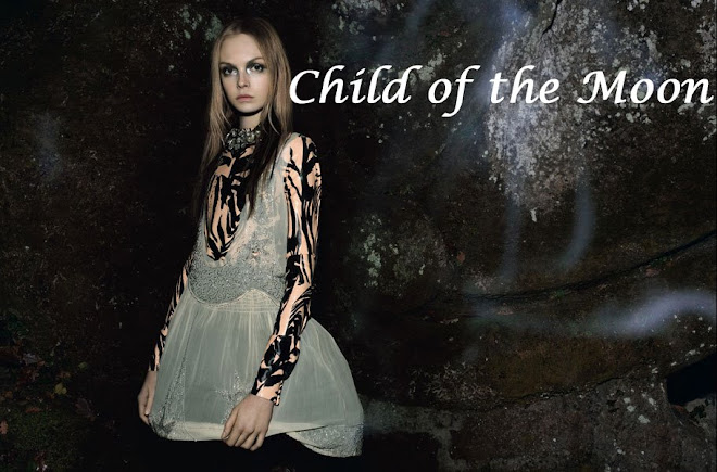 Child of the Moon : Fashion