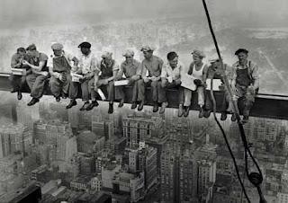 http://3.bp.blogspot.com/_dDrgyGgzukI/SvADRQE3QrI/AAAAAAAACCk/LvqBRyE0xvc/s320/Obreros.jpg