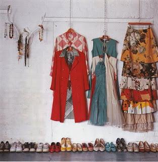 Design noticeboard degree show display ideas - Ideas para organizar armarios ...