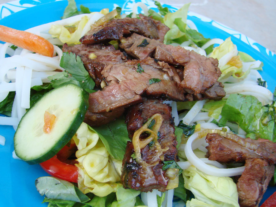 Delectable Edibles: Asian Grilled Flank Steak Salad