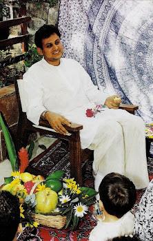 Dedicado ao nosso amoroso mestre Srila Bhagavata Bhusana Guru