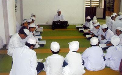 http://3.bp.blogspot.com/_dGvCMOfyWkk/SyJtIIO2QvI/AAAAAAAAA8k/7TbTtWqTyiM/s400/tahfiz.jpg