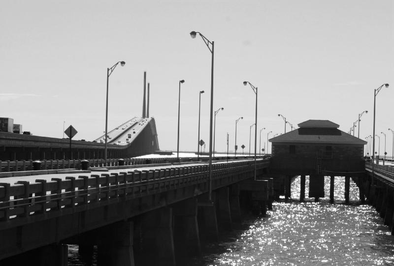 Tampabayfish tampa area fishing piers north sunshine for Sunshine skyway fishing pier