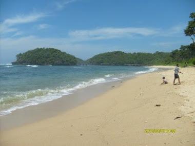 Pantai Balaikambang