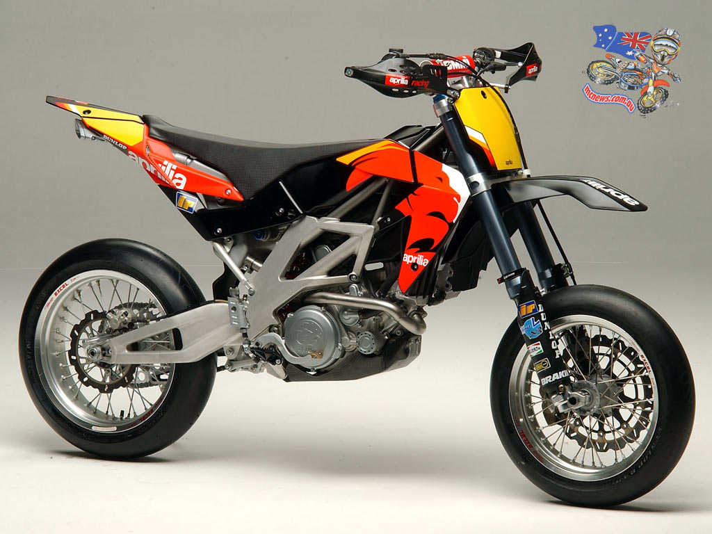 modified show bikes supermoto motocross bikes. Black Bedroom Furniture Sets. Home Design Ideas