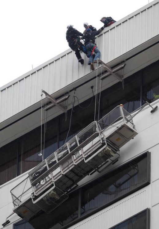 window cleaning seattle rise window cleaners rescued in seattle robinsonsolutions professional cleaning