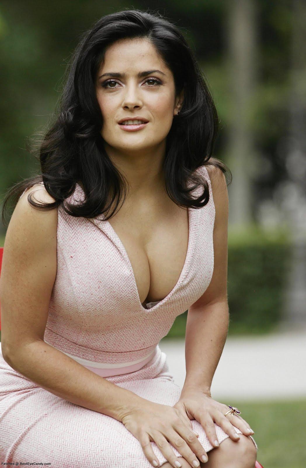 http://3.bp.blogspot.com/_dNqr7GAPDV0/TE1RbziIvrI/AAAAAAAABC8/Mn4TCJi9SCg/s1600/Salma_Hayek_Sitting.jpg