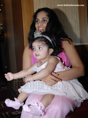 Forwards Ajith Shalini And Their Daughter