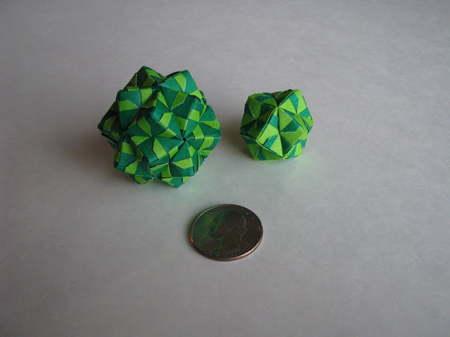 Steve Biddle Essential Origami 12- and 30-unit green sonobe balls with US quarter for comparison