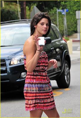 Imagenes/Videos Paparazzi Cast Ashley-greene-nikki-reed-06%5B1%5D