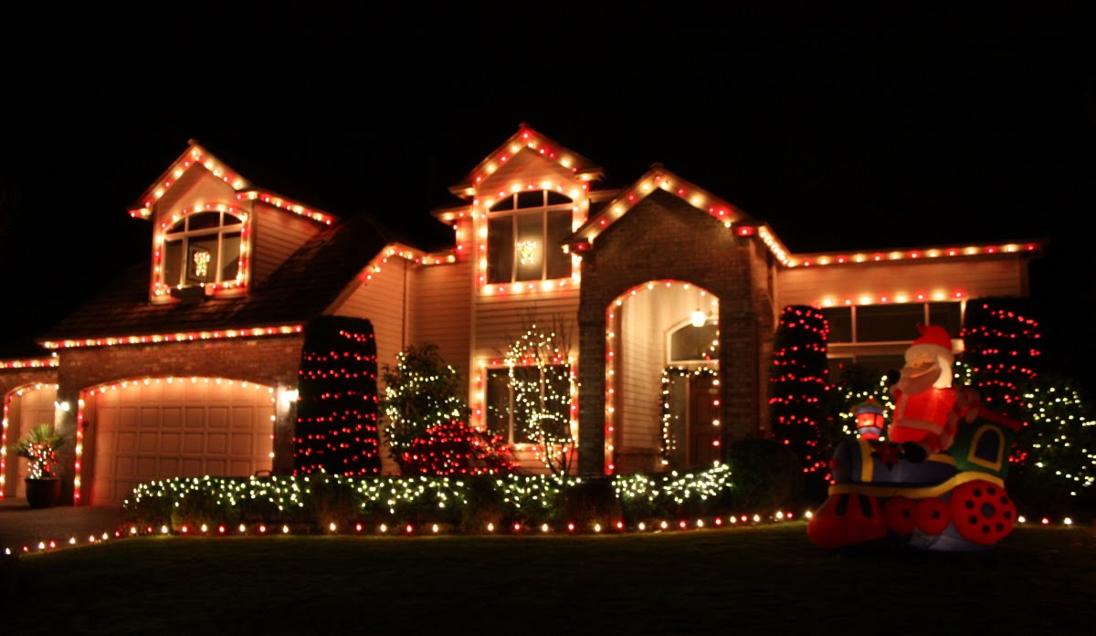 It 39 s the little things that make a house a home - Christmas decorating exterior house ...