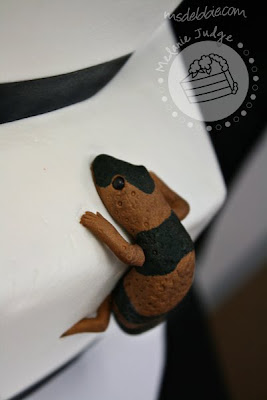 black bow buttercream wedding cake gecko