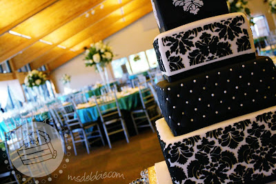 black white fondant wedding cake