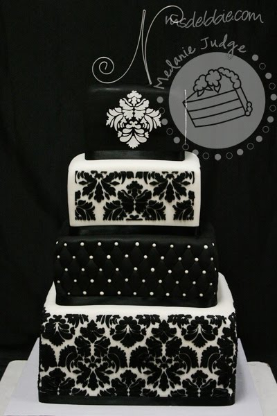 Black  White Bedding on Black   White Damask Wedding   Ph D  Serts   Cakes