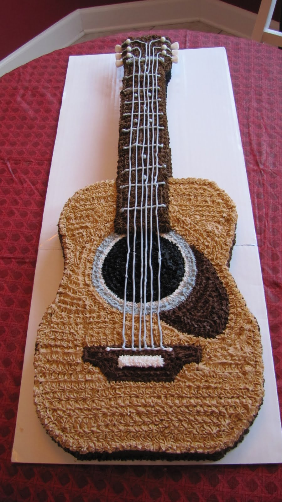 Images Of Guitar Cake : Mel s Cakes: The Guitar Cake