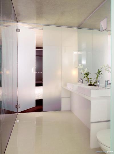 Ephemerette bathroom edition light bright glamorous for Zen bathroom lighting