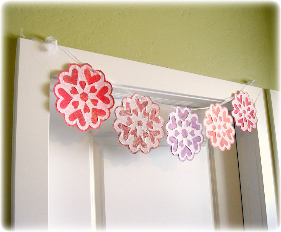 Peppermint Plum: {Valentine Snowflake Garland