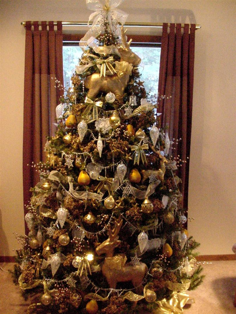 Perennial Passion Christmas Trees From 2003 To 2010: brown and gold christmas tree