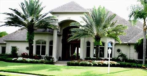 LANDSCAPING AND HOME GARDENS WITH PALM TREES