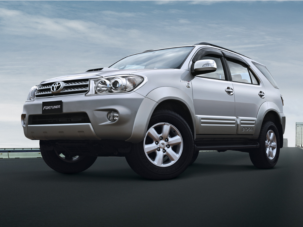 Extreme Sport Car 2012 Toyota Fortuner Land