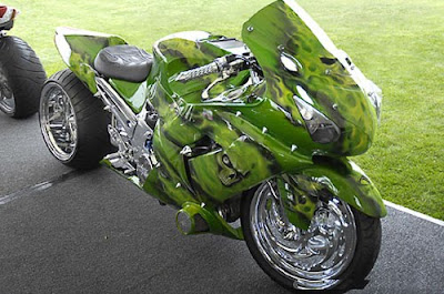 sport motorcycle airbrush