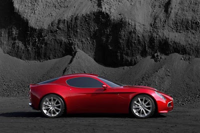 Alfa Romeo 8c Wallpaper Red color Side