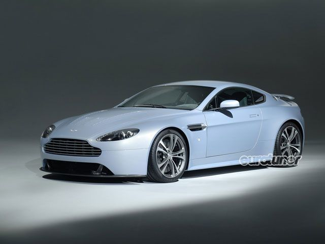 Aston Martin V12 Vantage White. Sports Cars Aston Martin V12