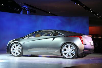2009 Cadillac Converj Concept Side